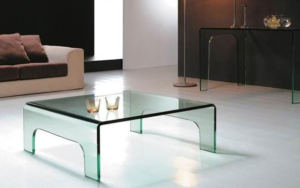 mesa de diseño baja de cristal curvado y templado
