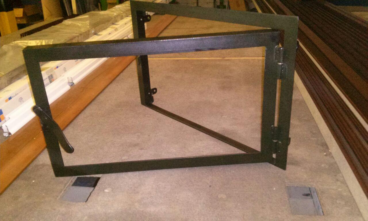 Cristal a medida productos vidrio de chimenea con for Chimeneas de hierro baratas