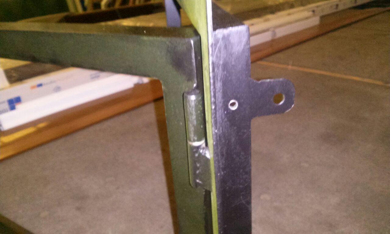 Puerta de chimenea de hierro
