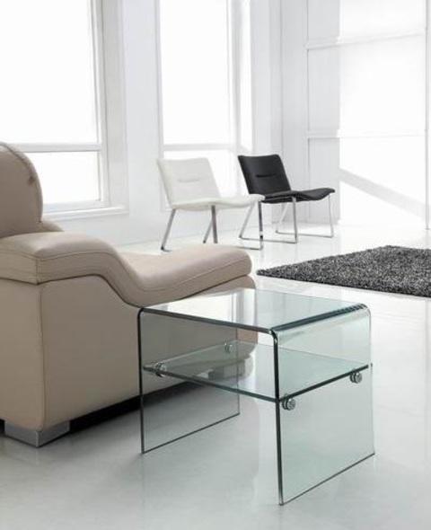 Mesa Gina de cristal curvado.